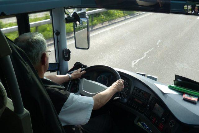 Řidič autobusu (ilustrační foto)