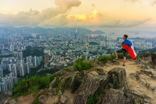 Z východu slunce nad HongKong