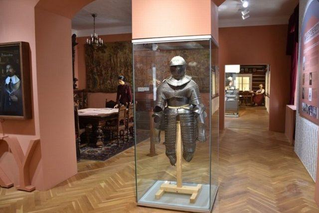 Nová expozice o hradech,  zámcích a chalupách Trutnovska | foto: Pavel Křivka