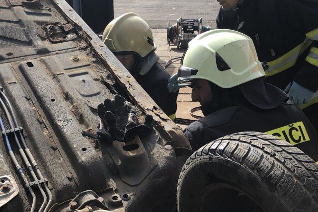 Zásahy u dopravních nehod jsou často velmi vypjaté a hasiči při nich musí mnohdy poskytovat i první psychickou pomoc. | foto: Martin Pařízek,  Ondřej Vaňura, Český rozhlas