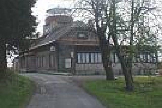 Raisova chata na Zvičině