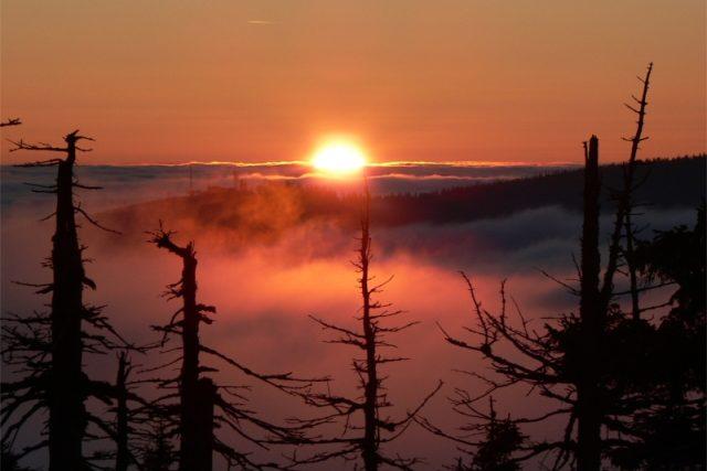 Západ slunce v Krkonoších   foto: Renáta Lorišová