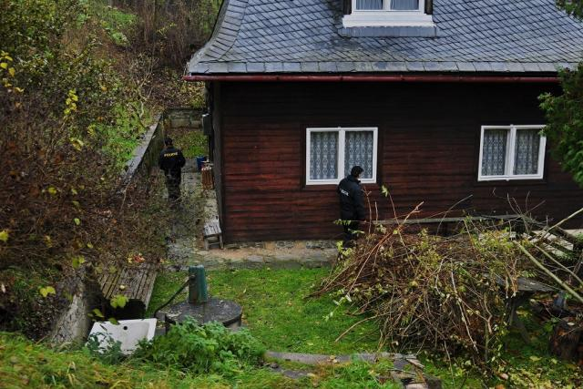 Policisté při procházení rekreačními oblastmi kontrolovali zabezpečení chat