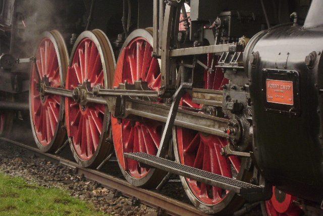 Hnací kola parní lokomotivy