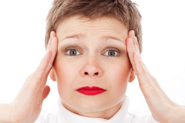 Migréna, bolest hlavy, stres