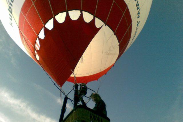 Mistrovství České republiky v balonovém létání v Radešíně na Žďársku