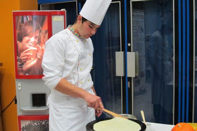 Praktické ukázky kuchařského učiliště - palačinky