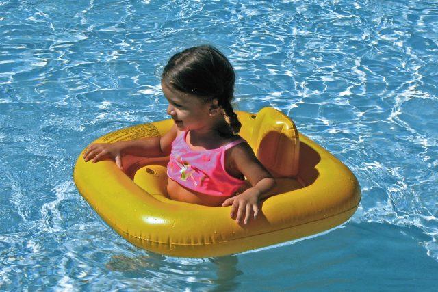 Dítě ve vodě (ilustrační foto)