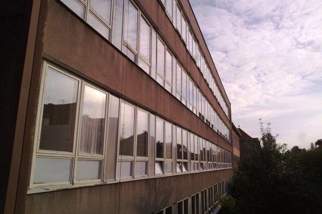 Základní škola v Hořovicích, do které se po prázdninách znovu vrátily děti