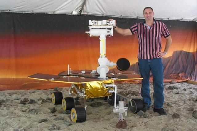 Geolog NASA dr. James Rice
