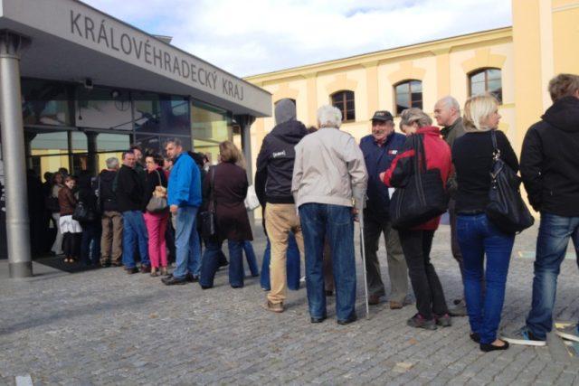 V Královéhradeckém kraji začal sběr žádostí o kotlíkovou dotaci, lidé stáli fronty