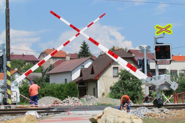 Železniční přejezd, oprava