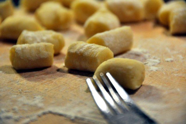 Gnocchi si doma snadno připravíte   foto:  commons.wikimedia.org