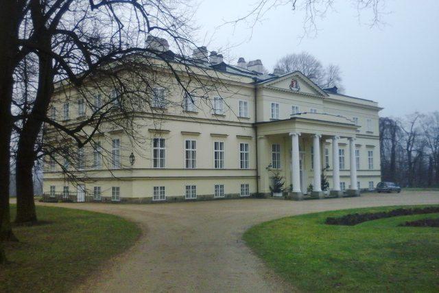 Nový zámek v Kostelci nad Orlicí patří rodu Kinských