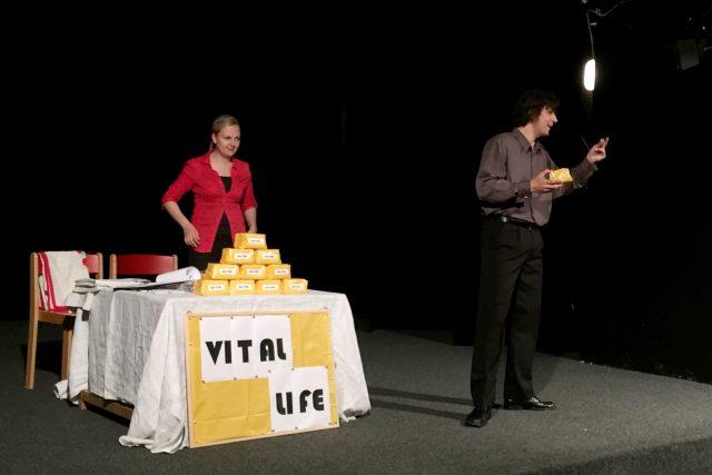 Divadelní představení ukáže seniorům praktiky 'šmejdů'