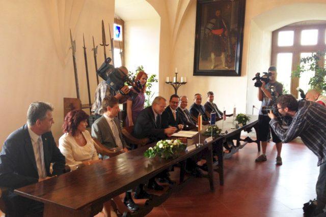 Města Pardubice a Hradec Králové podepsala memorandum o spolupráci