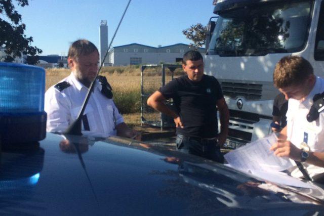 Dopravní policisté v Královéhradeckém kraji se o víkendu zaměřili na kamiony