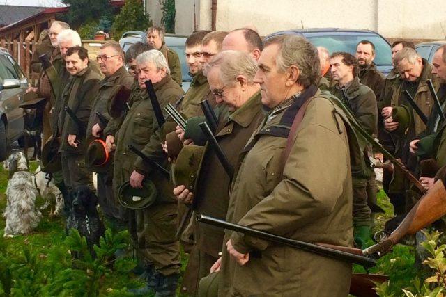 Myslivci z Vysoké nad Labem se vydávají na hon