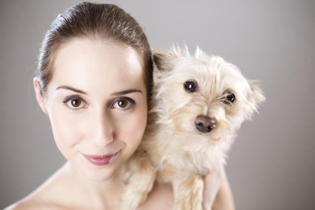 Žena se psem