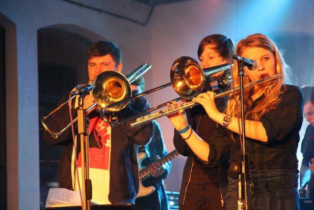 OnLine Session je fusion kapela z Hradce Králové