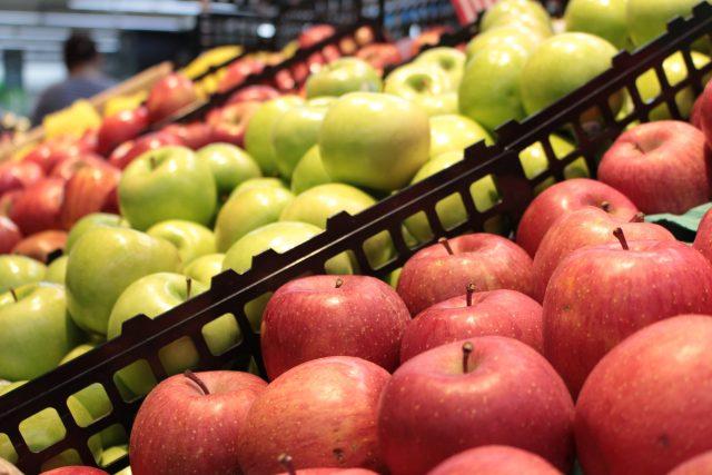 Ovoce v supermarketu