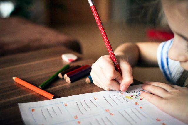 dítě, psaní, kreslení