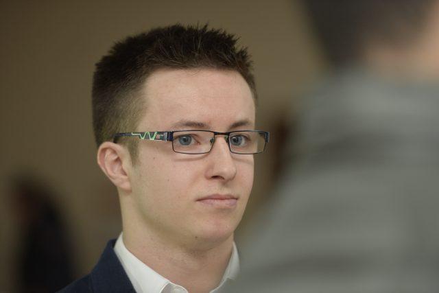 Lukáš Nečesaný u soudu čelí obžalobě z pokusu vraždy kadeřnice v Hořicích  | foto: ČTK