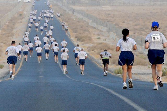 Běhat se dá v každém věku (ilustrační foto)