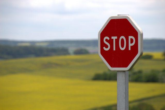 Stop | foto: CC0 Public domain,  Fotobanka Pixabay