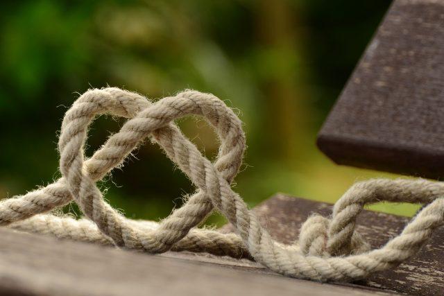 vlákno,  lano,  láska,  romantika | foto: CC0 Public domain