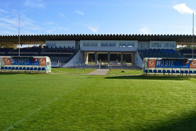 Všesportovní stadion v královéhradeckých Malšovicích má za sebou stavební úpravy i kolaudaci
