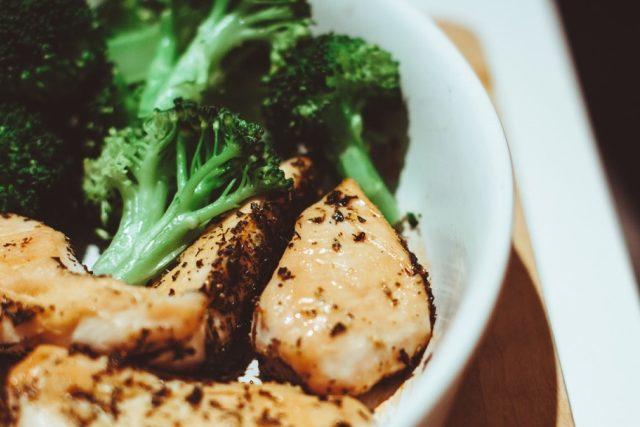 Kuře brokolice jídlo vaření