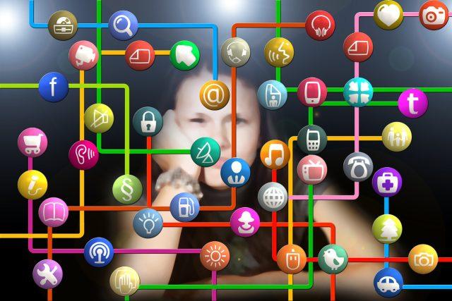 I ve světě internetu číhají nebezpečí a musí se dodržovat pravidla (ilustrační foto)