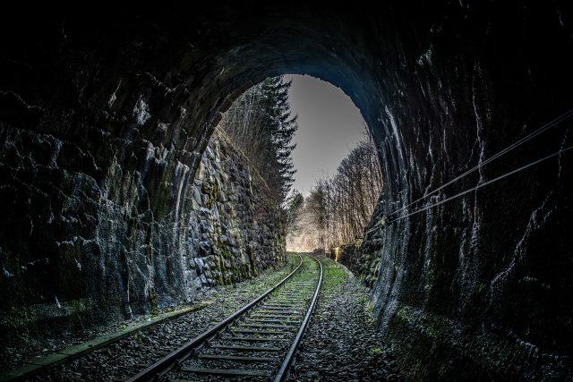 Železniční trať (ilustrační foto)