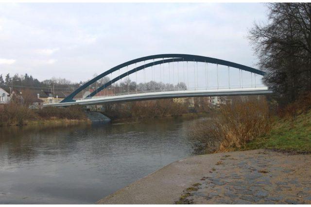 Královéhradecký kraj plánuje nahradit havarijní most ve Svinarech mostem novým - vizualizace