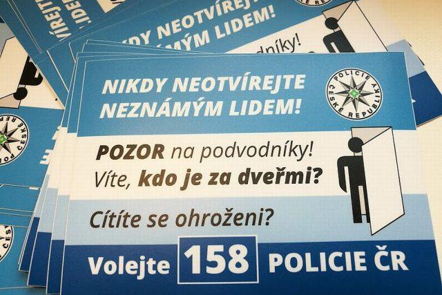 Víš kdo je za dveřmi? Odstartovala policejní kampaň, která má zamezit okrádání lidí přímo i nich doma