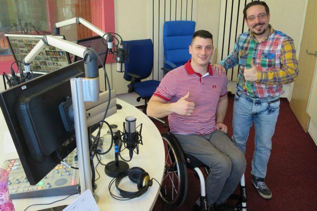 Tomáš Nevěčný a Jakub Schmidt ve studiu Českého rozhlasu Hradec Králové