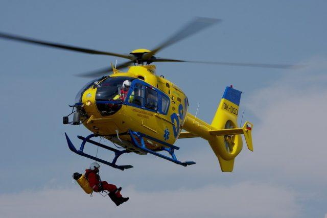 Vrtulník společnosti DSA,  která v části Česka provozuje leteckou záchrannou službu | foto:  DSA