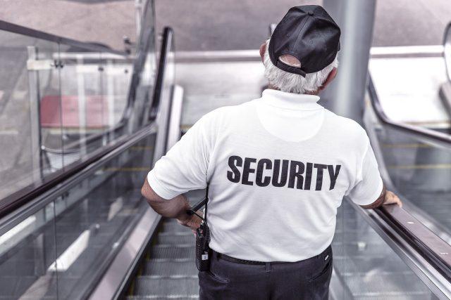 Pracovník bezpečnostní agentury