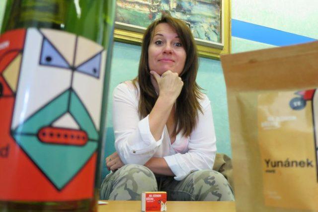 Martina Součková ve studiu Českého rozhlasu Hradec Králové