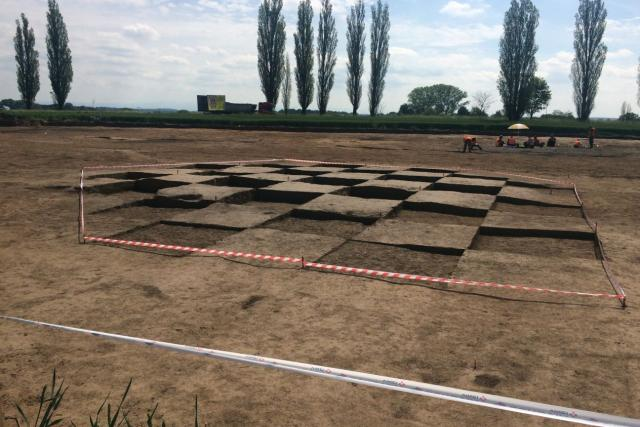 Archeologický průzkum dálnice D11  | foto: Tomáš Lörincz