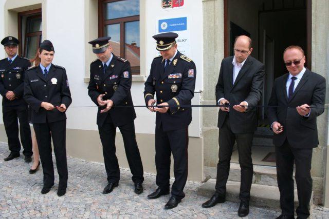 Otevření nové policejní služebny v Solnici na Rychnovsku