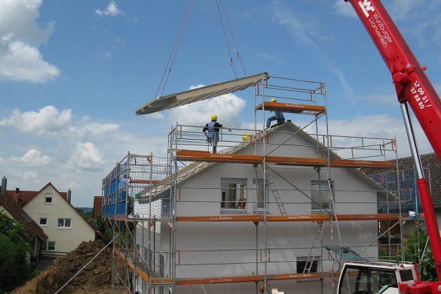 Stavba rodinného domu (ilustrační foto)