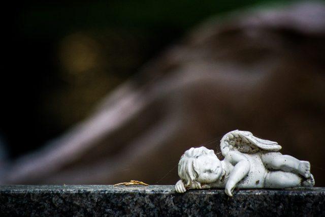 Atmosféra na hřbitově je podmanivá (ilustrační foto)
