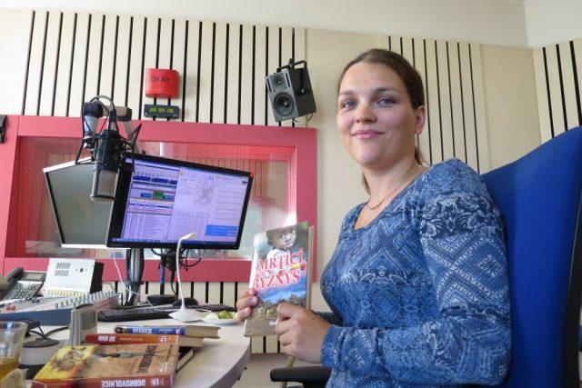 Spisovatelka a cestovatelka Hana Hindráková se svou novou knihou Smrtící byznys