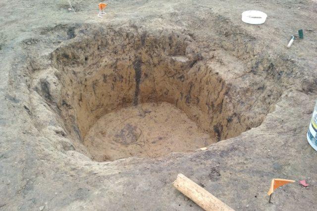 Archeologové odkryli v Kostelci nad Orlicí něco, co by tam podle učebnic dějepisu být nemělo