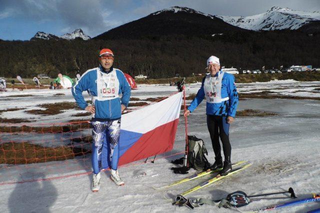 Rudolf Špicar a Vladimír Matějka z Vrchlabí lyžovali v Argentině | foto: Vladimír Matějka