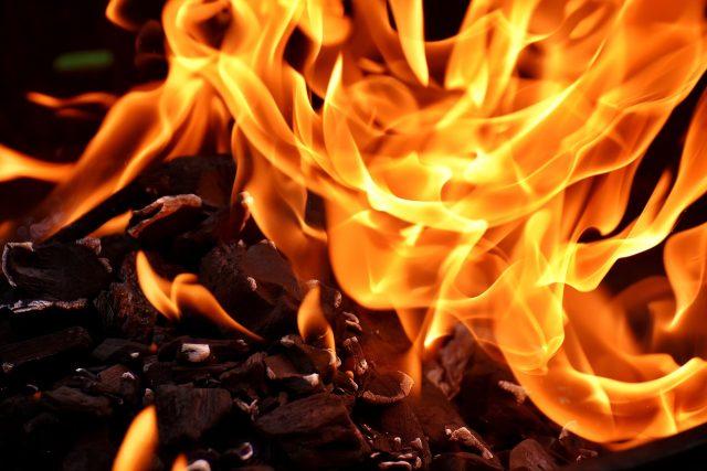 Plameny a oheň  (ilustrační foto) | foto: Fotobanka Pixabay