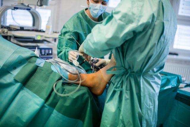 Artroskopická operace hlezenního kloubu
