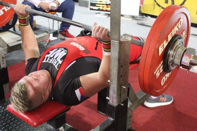 Šestnáctiletý Martin Mikeš je dvojnásobným mistrem světa v bench-pressu